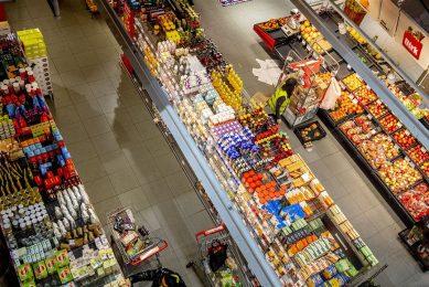 Het onderzoek 'Superlijst Dierenwelzijn' wordt uitgevoerd bij de supermarkten Albert Heijn, Jumbo, Lidl, Aldi, Plus, Dirk, Coop en Ekoplaza. Foto: ANP