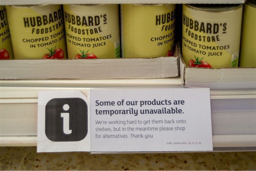 Een tekort aan chauffeurs zorgt in het Verenigd Koninkrijk voor problemen. Naast de vleesindustrie hebben ook supermarkten problemen met bevoorrading. - Foto: ANP