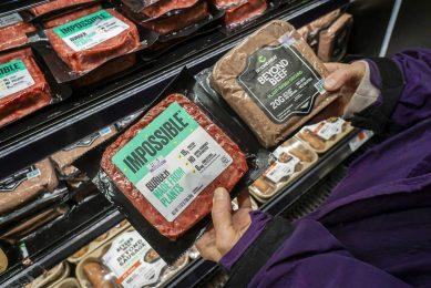 De Australische vleesindustrie beschuldigt producenten van vleesvervangers ervan te profiteren van de bekende namen van vlees en wil niet dat de vleesvervangers in verband worden gebracht met vlees. - Foto: ANP
