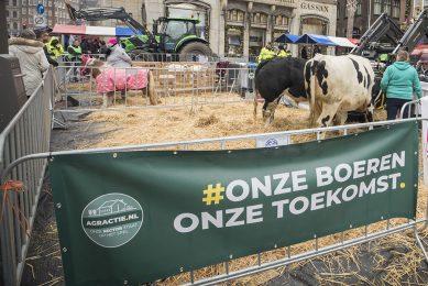 Eerdere actie van Agractie voor boer-burgerverbinding in 2020 in Amsterdam. - Foto: Koos Groenewold