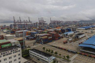 Eén coronageval zorgde voor stillegging van de haven Ningbo Zhoushan, een van de grootste ter wereld. - Foto: ANP