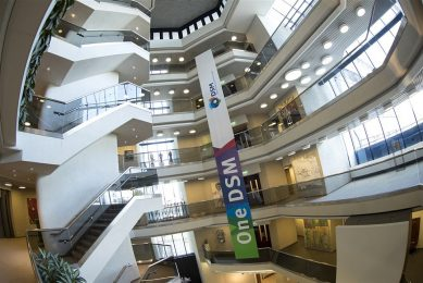 Interieur van het hoofdkantoor van chemieconcern DSM in Heerlen. Foto: ANP