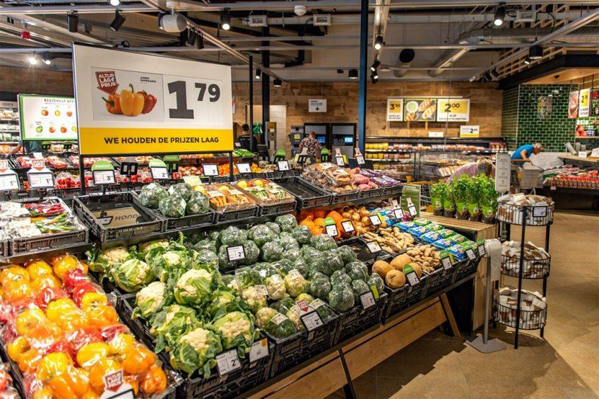 Zie het supermarktschap; een gezond dieet is doorgaans aanzienlijk duurder dan ongezond eten en drinken. Foto: ANP