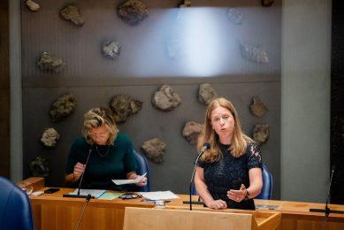 Demissionair Minister Carola Schouten van Landbouw, Natuur en Voedselkwaliteit tijdens een vragenuur in het tijdelijke parlementsgebouw. - Foto: ANP