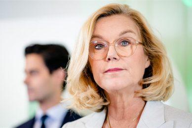 Sigrid Kaag (D66) geeft op het partijkantoor een toelichting op de doorbraak in de formatie. D66 is toch bereid te onderhandelen met VVD, CDA en de Christenunie. - Foto: ANP