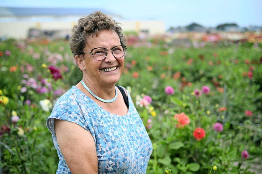 """Anja van Servellen: """"Als we het biotoop van de patrijs verbeteren, liften veel andere dieren en planten mee."""" - Foto: Fred Libochant"""