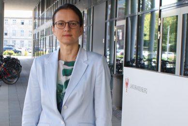 Anna Heyer-Stuffer is staatssecretaris van sociale zaken en consumententbescherming in de Duitse deelstaat Brandenburg en crisisleider voor de aanpak van Afrikaanse varkenspest. Foto: Kees van Dooren