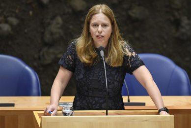 Carola Schouten, minister van Landbouw, Natuur en Voedselkwaliteit tijdens debat in de plenaire zaal van de Tweede Kamer. - Foto: ANP/Peter Hilz