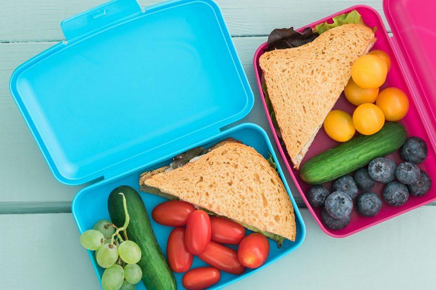 VVD en D66 willen gezonde voeding bij kinderen stimuleren, bijvoorbeeld door gratis lunches aan te bieden op scholen in achterstandswijken. Foto: Canva