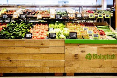 Biologische groente in het schap bij Albert Heijn. - Foto: ANP