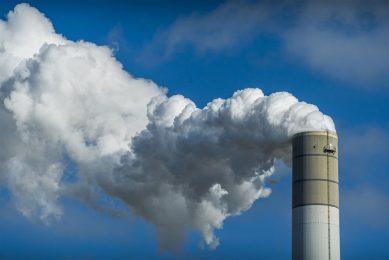 94% van de investeringen op het gebied van milieu is gericht op schonere lucht of duurzamere energie. Dat zijn bijvoorbeeld investeringen in: luchtfilters, katalysators, windmolens en zonneparken. Foto: ANP