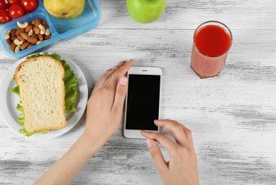 Door algoritmes te combineren tot iets nieuws kunnen consumenten gezonde keuzes op een presenteerblaadje krijgen. - Foto: Canva