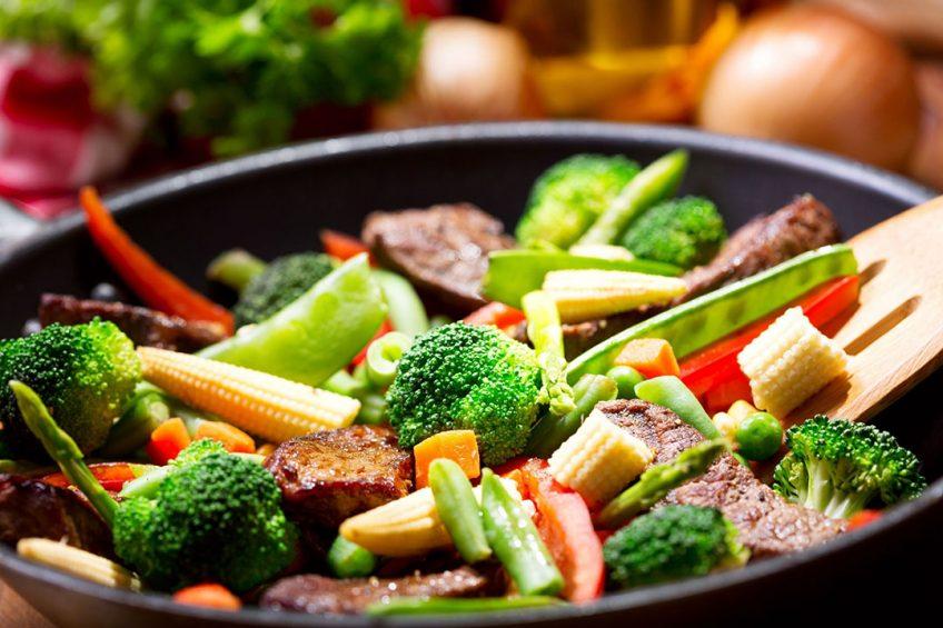 Brood, groente, fruit, vlees en zuivel worden het meest geconsumeerd. - Foto: Canva