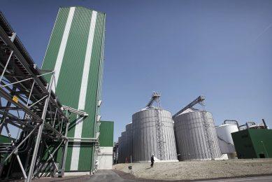 Productie van ethanol in bio-ethanolfabriek. - Foto: Roel Dijkstra