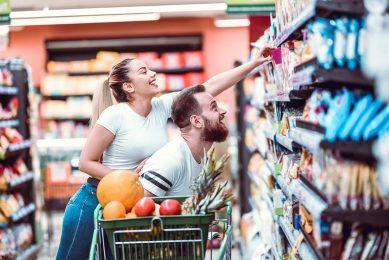 Ruim drie kwart van de ondervraagden vindt dat er voldoende gezonde snacks te koop zijn in de supermarkt. - Foto: Canva