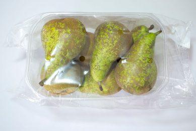 Detig soorten groente en fruit, waaronder peren, mogen vanaf volgend jaar in Frankrijk niet meer in plastic verkocht worden. - Foto: Canva
