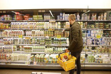 F2F kan voor de Nederlandse zuivel negatieve economische gevolgen hebben, van veevoerleveranciers tot de supermarkten, zei Jongeneel begin oktober. - Foto: Hans Prinsen